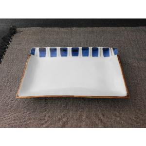 産地:有田焼 窯元:皓洋窯 サイズ:17.5×12×高さ2.4cm 食洗機:使用可 電子レンジ:使用...