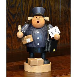 ドイツ木工芸品 煙出し人形 郵便配達人 手紙|motomachi-takenaka