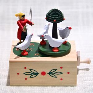 ドイツ木工芸品・手回しオルゴール 女の子とガチョウ motomachi-takenaka