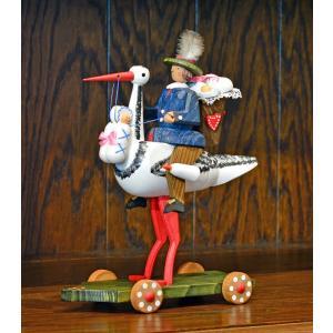 ドイツ木工芸品 コウノトリに乗る使者 大|motomachi-takenaka