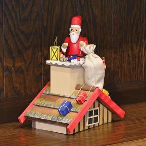 ドイツ木工芸品 煙出し人形 プレゼント配達中のサンタクロース|motomachi-takenaka