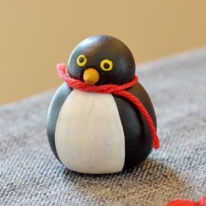スウェーデン 小さなペンギン 木製 置物 motomachi-takenaka
