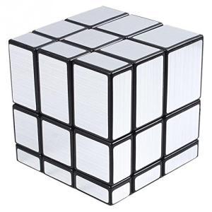 色:銀 対象年齢 :3才以上 ブロックの大きさが違うため、回すたびに形が変わる新しいスタイルのルービ...