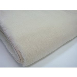 最高の羊毛。メリノウールは羊毛の中でも最高級とされるウールでメリノ種の羊からとれます。毛が非常に細く...