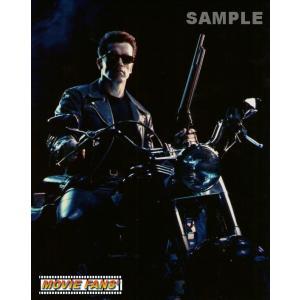 ブロマイド写真【外国製】『ターミネーター2』/銃持ちバイクに乗る/アーノルド・シュワルツェネッガー