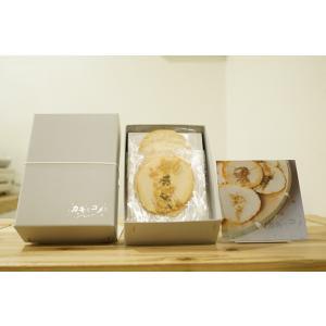牡蠣 せんべい 「小さなカキとコメと」 6枚箱入り|mpantry