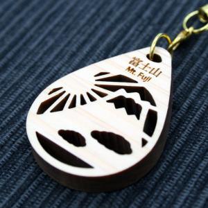 ストラップ(富士山と雲)/ 富士山麓ひのき製(檜製・木製)|mtfujiwood