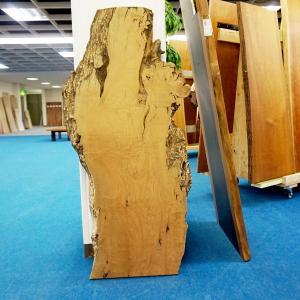 ヤマザクラ 一枚板 テーブル 粗削り 1350×520×43 mukusakura