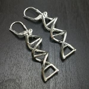 【サイエンスジュエリー】DNAピアス(DNA pierced earring) muscle