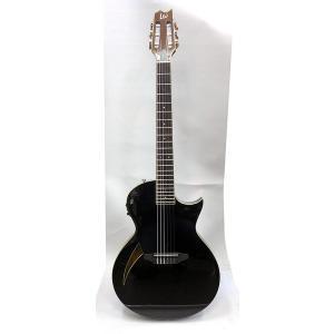 シンラインスタイルのガットギター。 トラディショナルなシングルカッタウェイスタイルのボディは、バック...