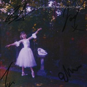 ウルフアリス Wolf Alice - Visions of a Life: Exclusive Autographed Edition (CD) musique69