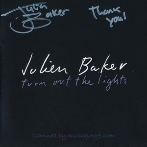 ジュリアンベイカー Julien Baker - Turn Out the Lights: Exclusive Autographed Edition (CD)|musique69