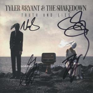 タイラーブライアント Tyler Bryant & The Shakedown - Truth and Lies: Exclusive Autographed Edition (CD)|musique69