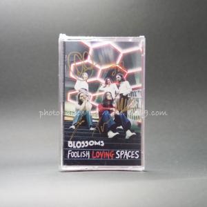 ブロッサムズ Blossoms - Foolish Loving Spaces: Exclusive Autographed Edition (cassette)|musique69