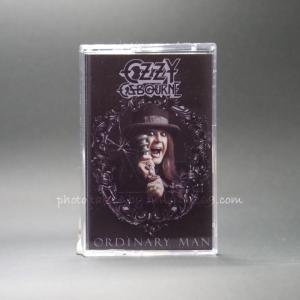 オジーオズボーン Ozzy Osbourne - Ordinary Man: Frame Cover Art Edition (cassette)|musique69