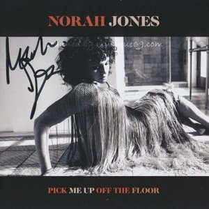 ノラジョーンズ Norah Jones - Pick Me Up Off the Floor: Exclusive Autographed Edition (CD)|musique69