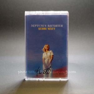 ケリーワット Kerri Watt - Neptune's Daughter: Exclusive Autographed Edition (cassette) musique69