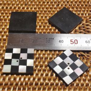 貝ボタン バリ島雑貨 正方形樹脂型波模様/2穴/φ29mm/t2.5mm 1個入|mutasan|03
