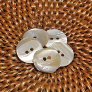 貝ボタン バリ島雑貨 丸型乳白模様/2穴/φ12mm/t1mm 1個入|mutasan