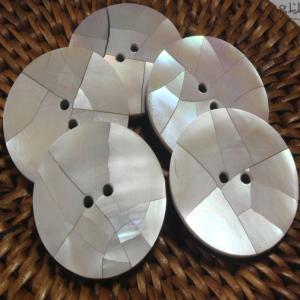★クリックポスト送料無料★ 貝ボタン バリ島雑貨 丸樹脂型ひび割れ模様/2穴/φ25mm/t3mm 1個入  |mutasan