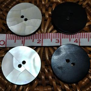 貝ボタン バリ島雑貨 丸樹脂型ひび割れ模様/2穴/φ20mm/t2mm 1個入|mutasan|03