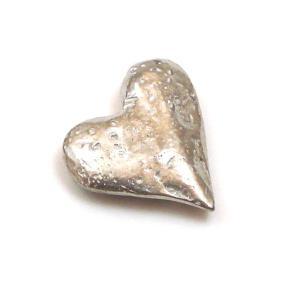 小さくて可愛い愛のお守り ハート チャーム 恋愛成就や夫婦円満のお守り♪|my-earth