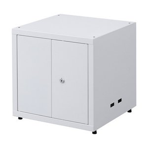 ●鍵付きの前扉を採用したセキュリティボックスです。 ●棚板は2枚を標準装備しています。 ●棚板は25...