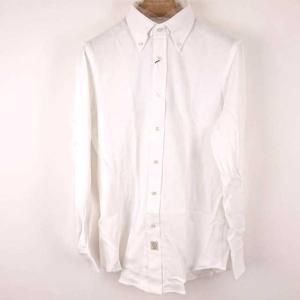 綿100%の白いYシャツ。しっかりとした厚めの生地で冬場に着ていただけるのにぴったりだと思います。 ...