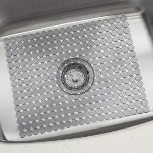 インターデザイン シンクマット Orbz L グラファイト|n-kitchen