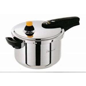 スタイリッシュなステンレス圧力鍋で,2〜3人用にぴったりのサイズです。 蓋はワンタッチロックでカチッ...