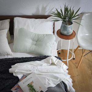 ギフト 西川リビング 洗える肩口フィットまくら 普通 日本製 枕 まくら 結婚内祝い 出産内祝い 贈答品 贈り物 お返し|nacole