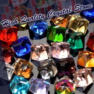 ついに登場!高品質ガラスラインストーン『NANASTONE』キューブ型 正立方体24面カットでキラキラ★今までに見たことがないほどの輝きを貴女に!|nailkoubouu
