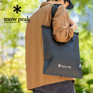 snow peak スノーピーク TPUロールトートバッグ 防水 Mサイズ かばん 鞄 軽量 無地 ブラック メンズ レディース|nakota