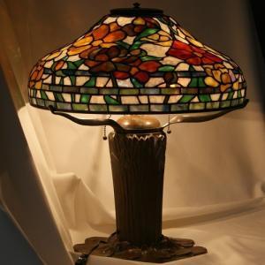 レプリカのティファニーランプが日本でも作られる様になった時、幻のガラスと言われ、手に入らなかったオセ...