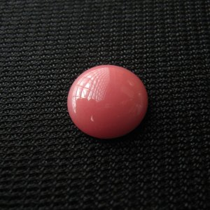 シャッター・ボタン・ぽっち 赤珊瑚色 凹底面 11型 000017|nandemo-glass-kan