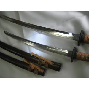 模擬刀(模造刀)大小揃ってるのはめずらしい、しかも、鹿の刀掛けまでついてる|natukashiya-honp