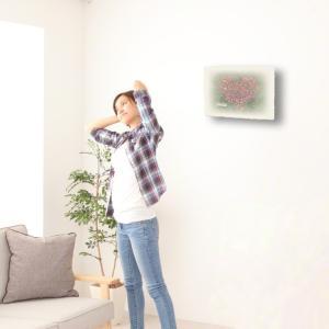 おしゃれな和紙のインテリアアートパネル「ハートのコスモスの花畑と白い椅子」(18x24cm)|natum|02
