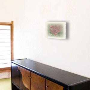 おしゃれな和紙のインテリアアートパネル「ハートのコスモスの花畑と白い椅子」(18x24cm)|natum|04