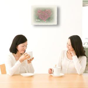 おしゃれな和紙のインテリアアートパネル「ハートのコスモスの花畑と白い椅子」(18x24cm)|natum|05
