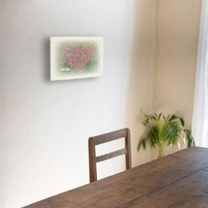 おしゃれな和紙のインテリアアートパネル「ハートのコスモスの花畑と白い椅子」(18x24cm)|natum|06