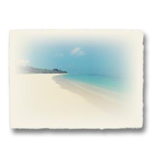おしゃれな和紙のインテリアアートパネル「どこまでも続くサンゴ礁の白い砂浜」(18x24cm)|natum
