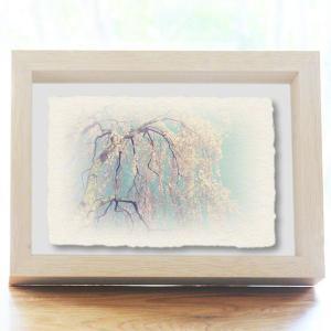 手漉き和紙の立体アートフレーム「青空と風に揺れるしだれ桜」(20x15cm)|natum