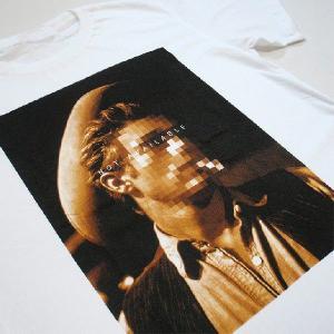 グラフィックTシャツ 「NOT AVAILABLE(顔見せできません)デザイン」 ん?ジェー●ズ・デ●ーン? 大人の事情Tシャツ|neigh|06