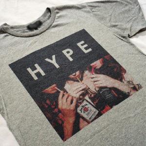 グラフィックTシャツ 「HYPE(ウソこいてます)デザイン」 飲みまくってる? いや、中身はもしかして烏龍茶?Tシャツ|neigh|05