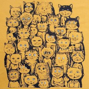 ニャンコTシャツ ネコがいっぱいのかわいいデザインが女の子に人気!「ニャンコまみれ」 ナチュラルなデザインTシャツ|neigh