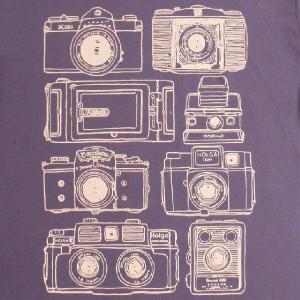 デザインTシャツ いろんなカメラが大集合!カメラ好きにオススメ「カメラ!カメラ!」 ナチュラルデザインTシャツ|neigh