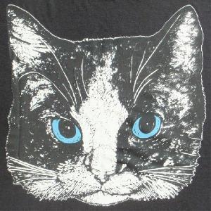 ニャンコTシャツ ネコがにっこりとほほえむかわいいデザインが女の子に人気!「白黒ニャンコ」 ナチュラルなデザインTシャツ|neigh