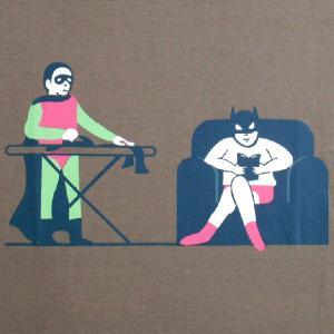 人気のパロディーTシャツ バットマンとロビンの舞台裏での生活!!これがキャラクターの格差なのか!?「ヒーローたちの格差社会」|neigh