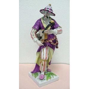 0492KPM 陶製人形「ギターリスト」 サイズ:22cm×7cm 底部に窯印 中古 070751
