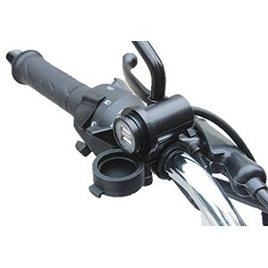 色:黒 バイクのハンドルに取り付け可能なUSB充電ソケット 2カ所のソケットでスマホやデジカメなど同...